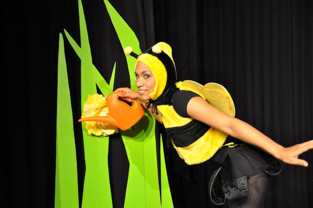 De-zoemende-bijen-1